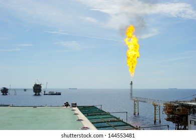 Releasing gas from oil and gas offshore platform