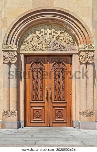 religious-ornament-central-entrance-door
