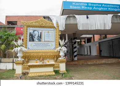 remember of Doktor Beat Richner of Beatocello at the Kantha Bopha Hospital in the city of Siem Reap in northwest of Cambodia.   Siem Reap, Cambodia, November 2018