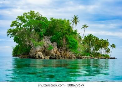 Remote desert tropical island, Banyak Archipelago, Aceh, Indonesia, Southeast Asia