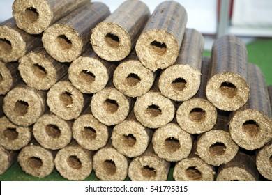 Renewable wooden briquettes for heating