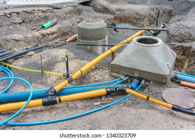 Renewal of the gas pipe and water pipe in a street
