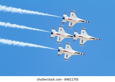 RENO, NV - SEPTEMBER 15: US Air Force Demonstration Team Thunderbirds. Flying on f-16 during the annual Air Races on September 15, 2011 in Reno, Nevada