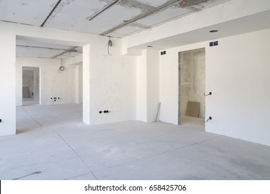 Renovation of office facilities. Empty interior space.