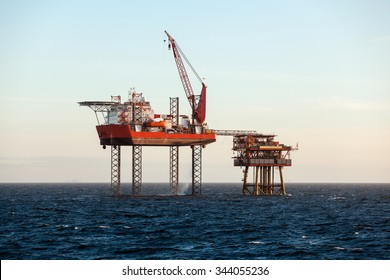 Repairing works on the oil platform