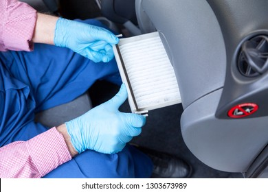 Replacing the cabin pollen air filter for a car