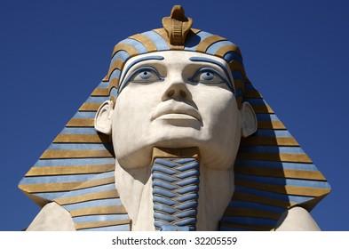 replica of the great sphinx of Giza