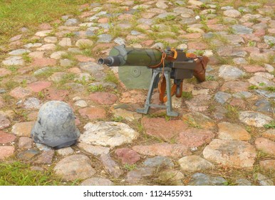 Wwi Machine Gun Images, Stock Photos & Vectors | Shutterstock