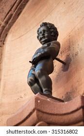 Replicate statue of manneken pis from belgium