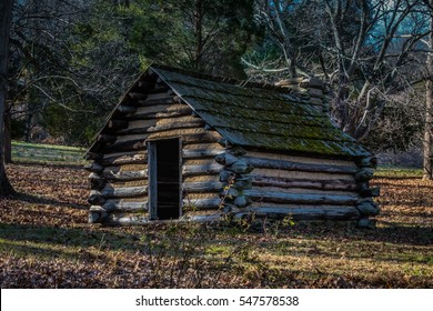 Reproduction hut similar to those used by Revolutionary War soldiers during the winter of 1777-78 at Valley Forge, Pennsylvania, USA.