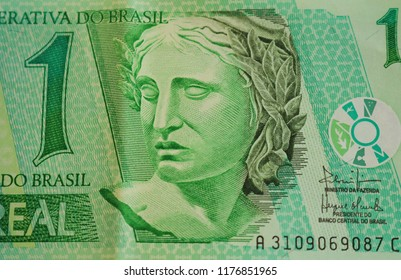 Republic's Effigy portrayed as a bust old one real note Brazilian money. Front side.