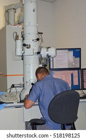 Researcher performs analysis of nanomaterials in a Transmission Electron Microscope