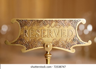Reserved plate on a restaurant table