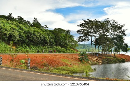 The reservoir is a major tourist attraction in Trat Province, Thailand, where the boundary between Thailand and Cambodia.