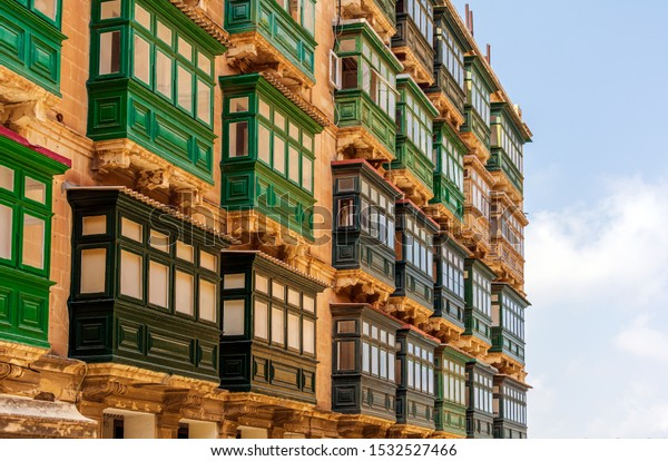 residential-house-facade-traditional-mal