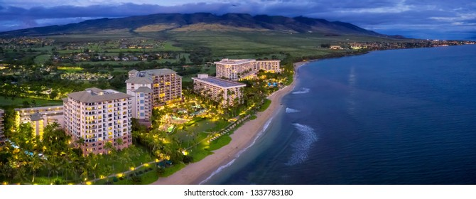 resorts on beach in Maui