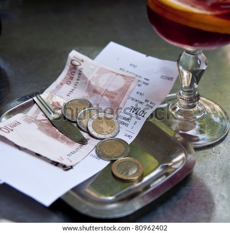 Stock Fotografie Na Tema Restaurant Bill Money On Matal Tray K