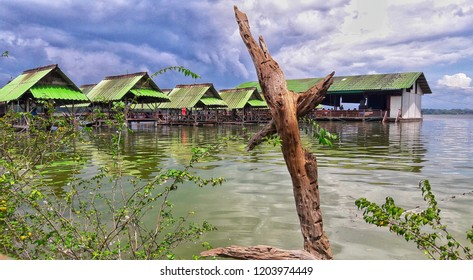The restaurant is made of tumbling water with green water.