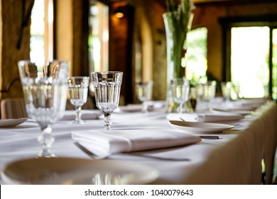 restaurant table set up
