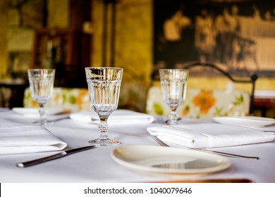 restaurant table set up
