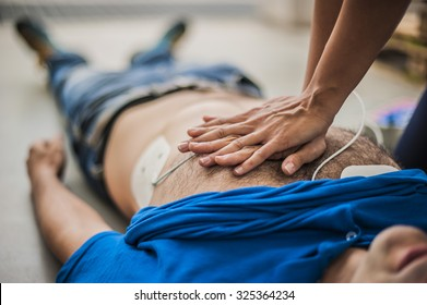 Resuscitation and cardiac massage