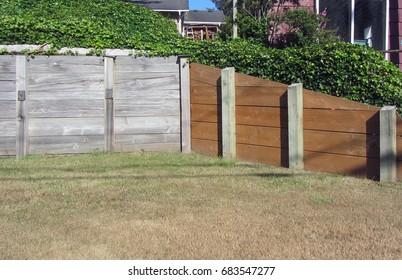 Retaining wall with grass around