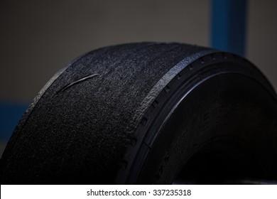 A retreading truck tires