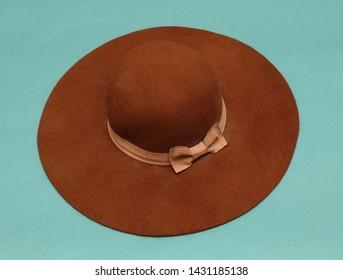 Retro brown wide brim wool hat with beige bow