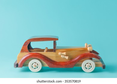 Retro car toy with place to text messages