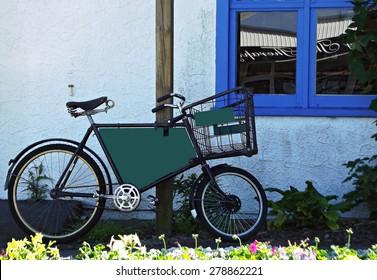 Retro delivery bicycle
