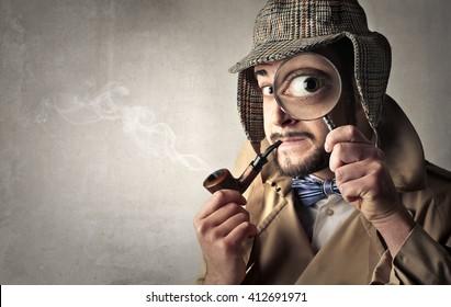 Retro dressed detective