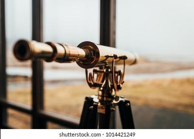 Retro golt telescope