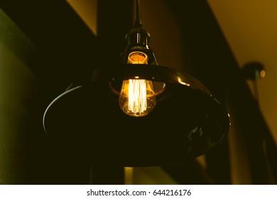 Retro light bulb decor