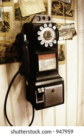 retro pay phone - intentional noise grain added