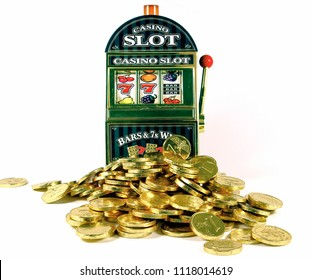 retro slot machine with 77bar  and lots of gold for winnings