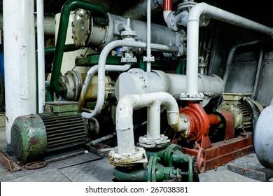 Retro spaceship engine diesel Vessel's Main Engine