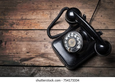 Retro style dial phone