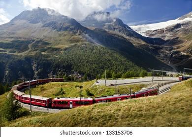 rhaetische bahn railway at alpgr�¼m