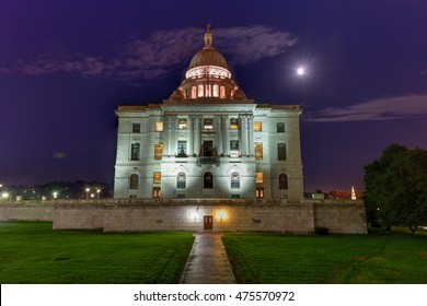 The Rhode Island State House, the capitol of the U.S. state of Rhode Island at night.