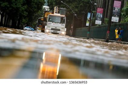 RI   Rio de Janeiro (RJ) 09/04/2019    Chuvas inundam Rio de Janeiro   Rua Jarrdim Botanico alagada   Foto: Antonio Scorza  / Agencia O Globo