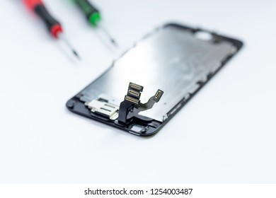 Ribbon cable from the defective Display