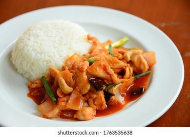 Rice cashew nut chicken stir-fry