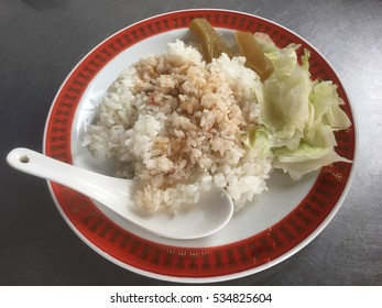 Rice dish with cabbage and pickles