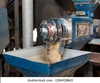 Rice mill is Facilities for processing grain, such as rice and barley.