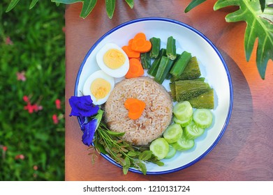 Rice Mixed with Shrimp paste,egg,vegetables.Thai food.