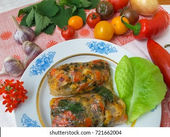 Rice paper rolls with mushrooms shrimps tomatoes cooking