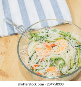 Rice vermicelli fried with shrimp and mimosa