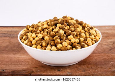 Rich & Traditional Crunchy Roasted Chana Masala - Bengal Grams / Chickpeas, known as chatpata futana or Phutana flavored with spicy Indian Masala.