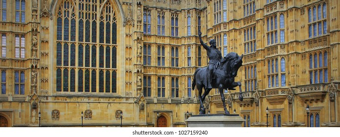 Richard I statue outside Palace of Westminster, Houses of Parliament. London, UK