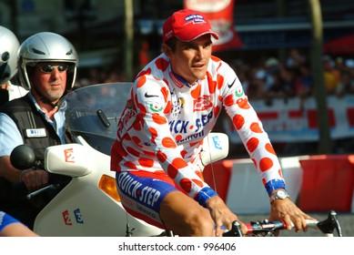 Richard Virenque on the Champs Elysees - Paris - Tour de France 2004